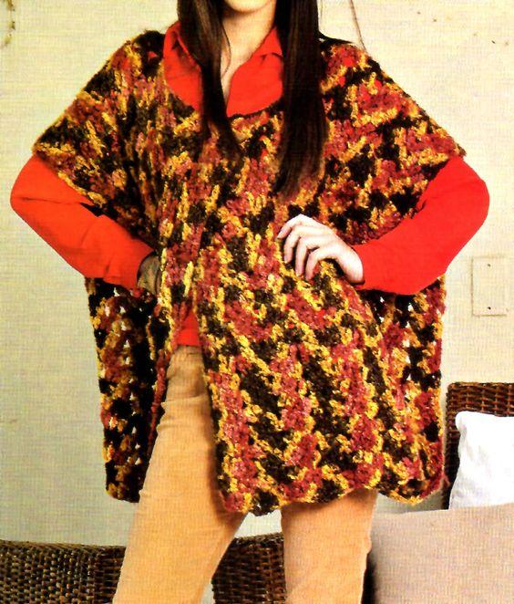 tejidos artesanales en crochet: ruana matizada en tonos ocre y ladrillo
