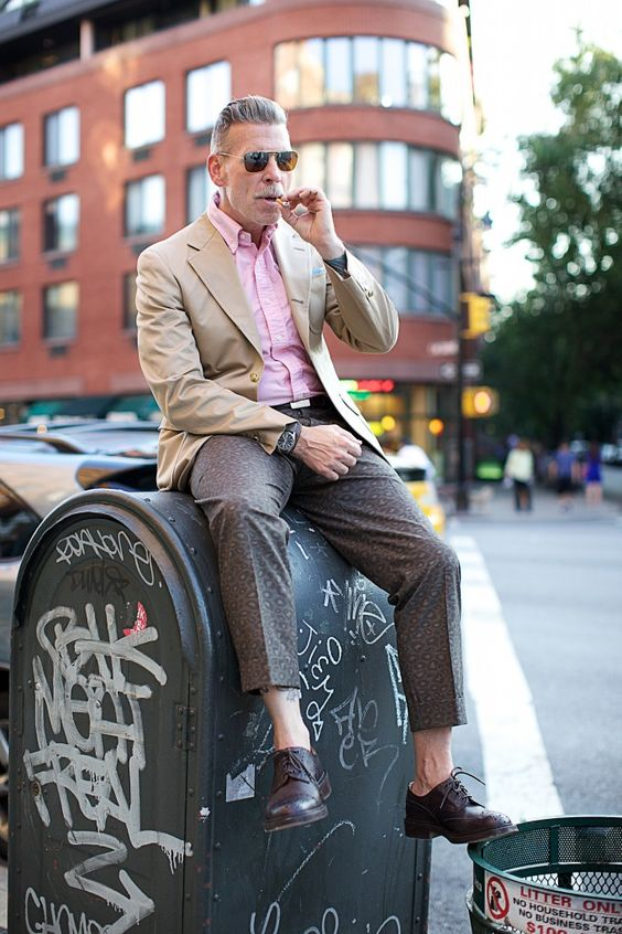 Nickelson Wooster.  Notice the Michael Bastian leopard pants i camo-colours. Two trends in one pair of trousers. How cool is that.