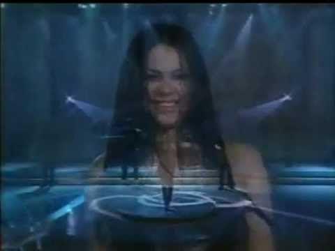 """Presentaciones de Shakira en """"Sabado Sensacional"""" (4 canciones)"""
