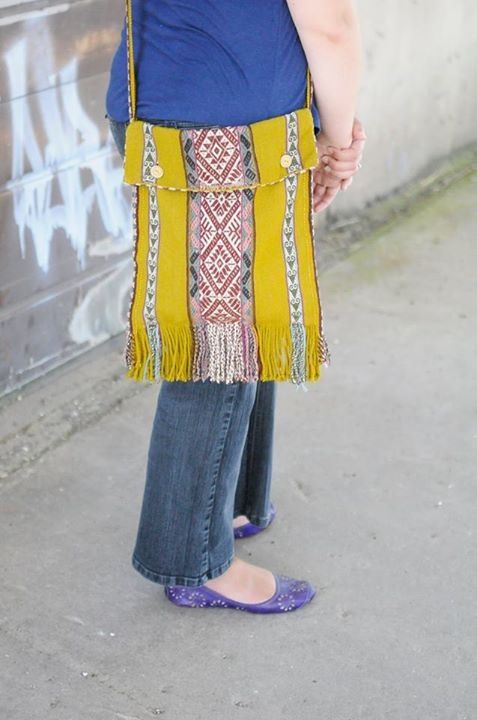 Hand woven satchel. Made ethically by hand in Peru.   Shop online http://www.one1earth.com/#_a_kathrynbeacham