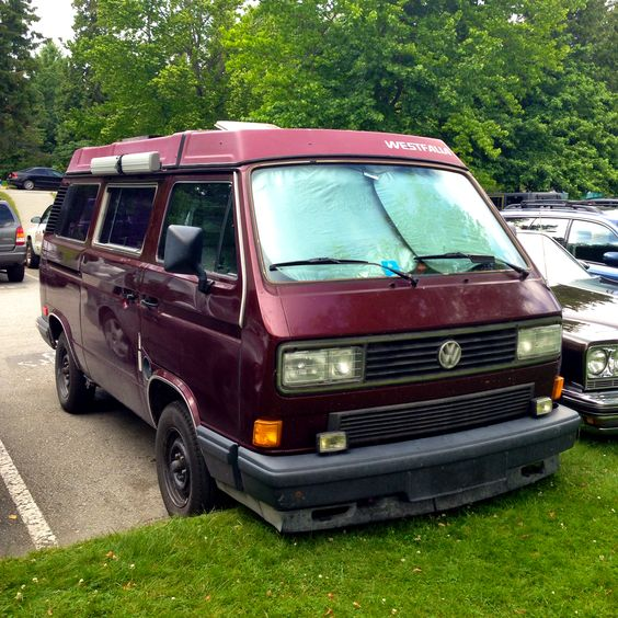 A VW Vanagon visitor from Alberta spotted in Stanley Park, Vancouver with a sporty front valance.