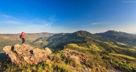 Serra dos Alves (MG) - Foto: Tom Alves #Montanhas #MinasGerais