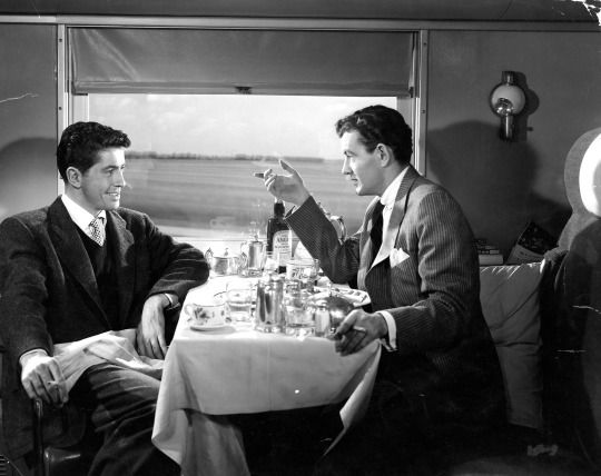 Strangers on a Train (1951, Alfred Hitchcock) / Cinematography by Robert Burks: