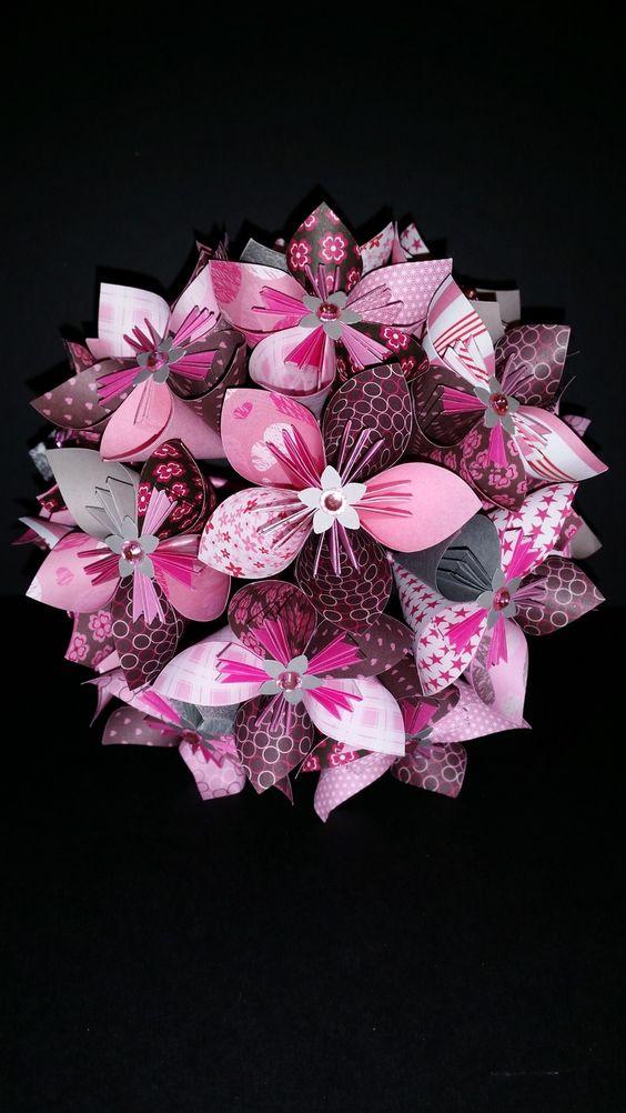 exemple bouquet de 15 fleurs origami en papier rose et gris bouquets origami et roses. Black Bedroom Furniture Sets. Home Design Ideas