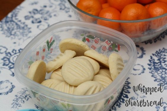Whipped Shortbread Cookies - 4 Ingredient classic holiday fare | Mmm... is for Mommy