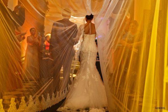 Casamento Patrícia e Caio #wedding #casamento #noiva Acesse http://noivadeevase.com/casamentos-reais-patricia-e-caio/