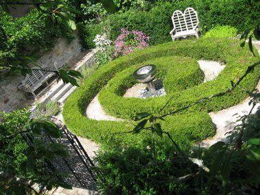 Grow your own maze!
