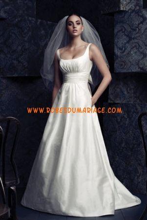 Paloma Blanca belle robe de mariée glamour longue évasé ornée de perle et pli satin