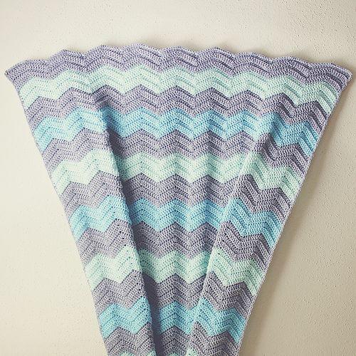 Ripple Afghan Knitting Pattern Free : Chevron Baby Blanket Crochet Pattern Free Pattern: My go-to ripple blanket ...
