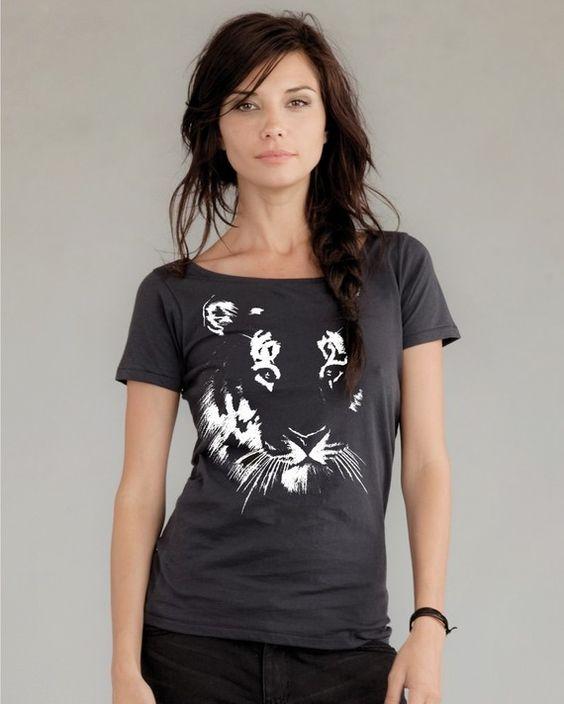 He encontrado este interesante anuncio de Etsy en https://www.etsy.com/es/listing/61262442/tiger-tshirt-on-alternative-apparel