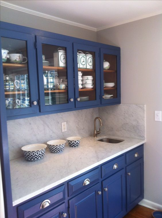 Benjamin Moore Van Deusen Blue Bathroom: Carrara Marble. Cornforth White Walls From Farrow And Ball