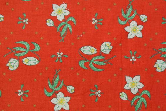 Vintage 1970s quilt fabric in unused cotton/ synthetic with white/ green larger printed flower pattern on bright red bottomcolor