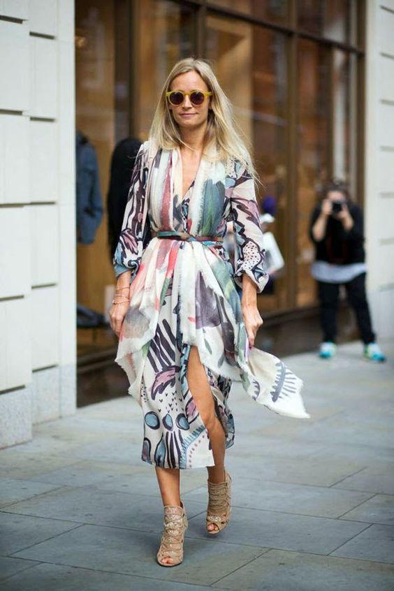 Streetstyle: Vestidos e sais midis nas ruas de Londres, durante a London Fashion Week