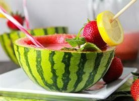 batido de patilla, fresa y limon. para los dias de calor