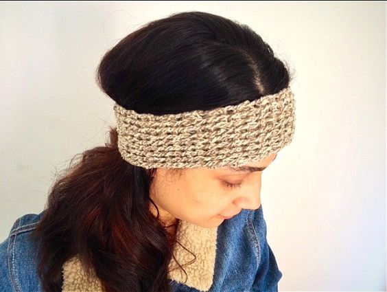A personal favourite from my Etsy shop https://www.etsy.com/fr/listing/463907043/crochet-head-band-easy-illustration-pdf