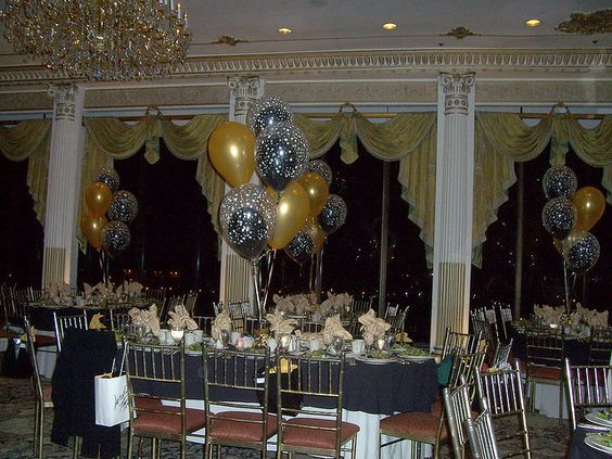 Reunions clear balloons and the o 39 jays on pinterest for Balloon decoration classes