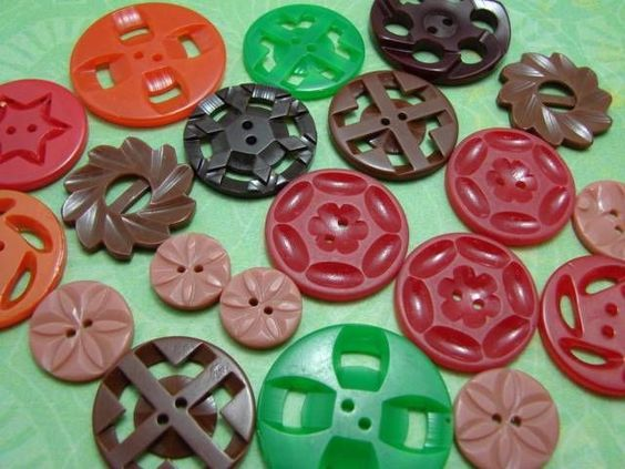 LARGE LOT COLORFUL RARE DOUBLECUT & FANCY VINTAGE CASEIN BUTTONS