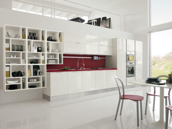 """Cucina lineare moderna con pensili """"alveare"""" a giorno in finitura ..."""