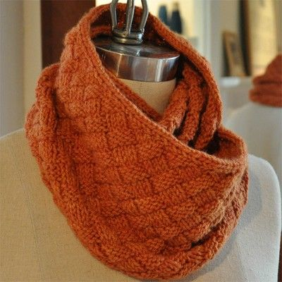 FREE PATTERN   4000 FREE patterns to knit   http://pinterest.com/DUTCHYLADY/s...
