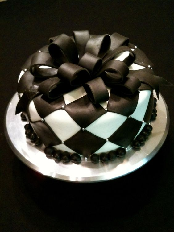 Kind of like a checkerboard look with a big black bow on top
