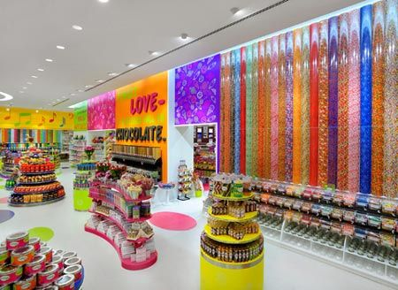 CANDYLICIOUS DUBAI MALL - though I'd died and ended up in candy heaven here!
