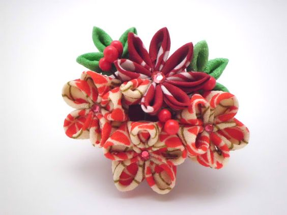 Red White flowers hair clip Tsumami kanzashi Red by JagataraArt #redwhite #flower #corsage #hairclip #tsumamikanzashi #giftideas