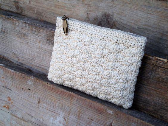 Beautiful crocheted coin purse