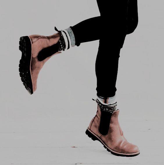 Pin By Julie Yuuki On Story Aesthetics Boots Fashion Stylish Socks