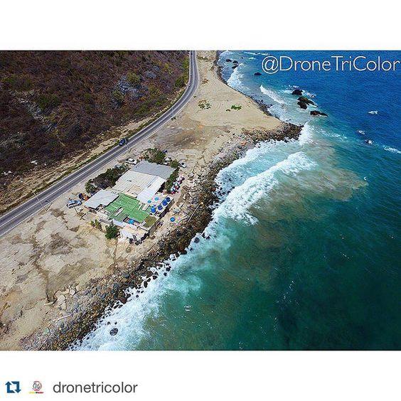 #Repost @dronetricolor with @repostapp. ・・・ Domingo de Playa - Costas De Vargas  - Restaurant Rey Del Pescado Frito #DroneTriColor #DjiPhantom #DjiPilot #Dji #CostasDeVargas #CostasDeVenezuela #VargasVzla #Vargas #Venezuela #VisitVenezuela @vargasvzla @icu_venezuela @increiblevzla próximamente estará disponible en nuestro canal de YouTube -DRONETRICOLOR ( Video Costas De Vargas )