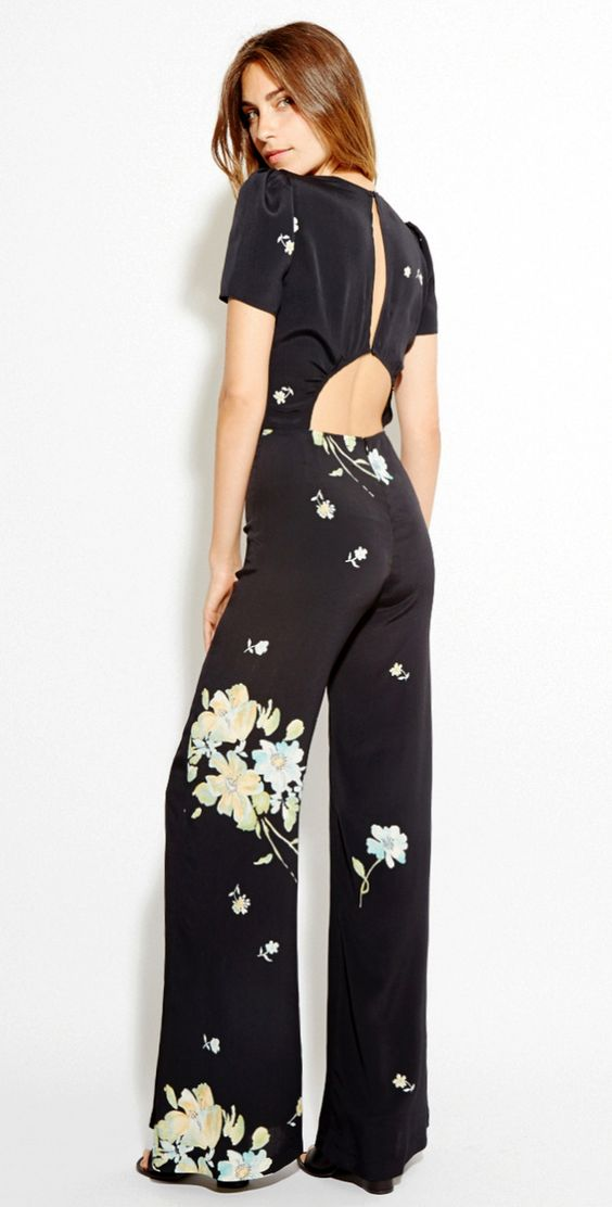 .jemima kirke wore this (or similar) in first season of girls. love her style and confidence