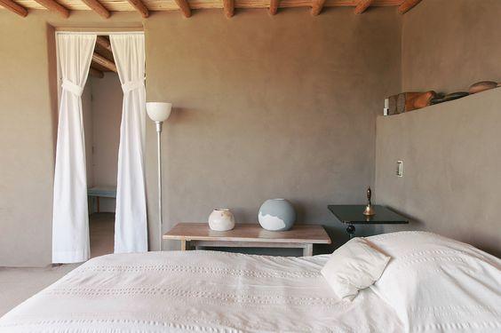 Georgia O'Keeffe's bedroom | source House Home