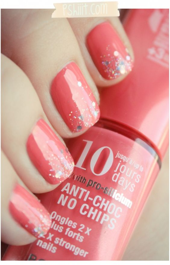 "I""m going to have to throw some glitter on my nails.: Nail, Peach Nails, Pink Nails, Glitter Nails, Chip Nails, Easy Nails"