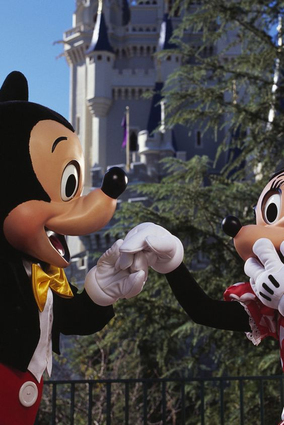 10 Awesome Things For Adults at Disneyland Paris