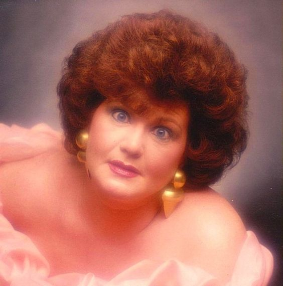 12 Ways To Achieve The Very Best Glamour Shot - I laughed so hard I almost peed myself.