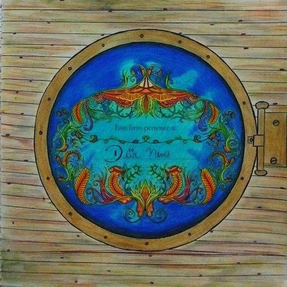 """""""Capa do Oceano Perdido finalizada!!! Apaixonada por esse livro, tantas possibilidades... Escolhi fazer a janela de um navio e amei o resultado. O desafio…"""""""