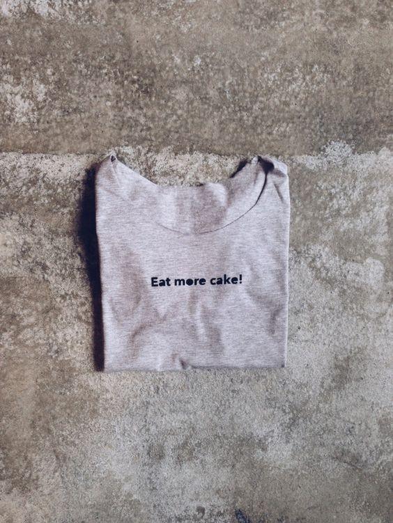 http://en.dawanda.com/product/70100019-gshirt-cake
