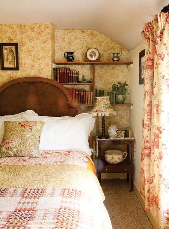 Sleep guest rooms and english cottages on pinterest for English country bedroom