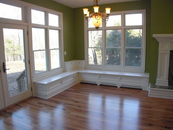 Window seat photo gallery decorating ideas pinterest for Kitchen designs with corner windows
