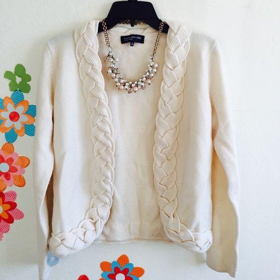 Jones New York Ivory Sweater Size S Good condition. Unique design. Jones New York Sweaters