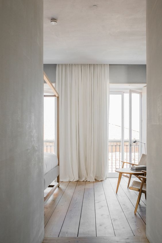 Minimalistic Interiors Summer Beach House Floor To Ceiling Windows White Curtains Interior Design Inspo Home Bedroom Home House Interior