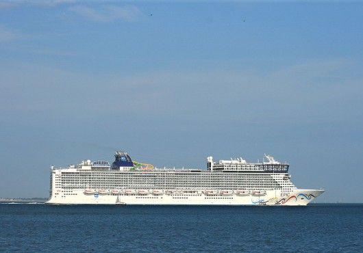 The Norwegian Epic Cost An Incredible Bn To Build The Most - How much do cruise ships cost to build