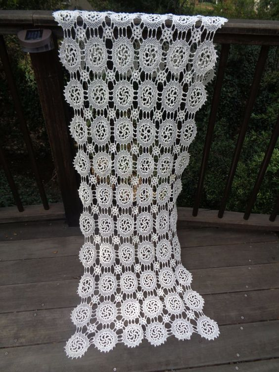 Large Antique Handmade Cotton Irish Crochet Lace Runner White Flowers Doily Handmade Lace Cottage Decor Shabby Chic Vintage Linens 135