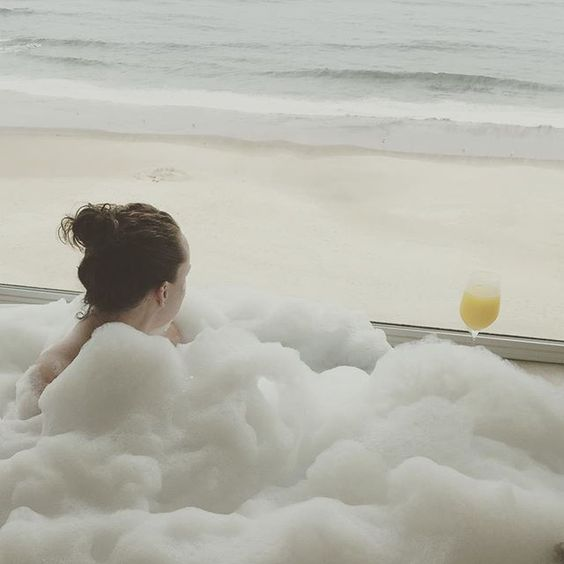 Yes, it is 1pm on a #Tuesday. Yes, I am drinking a #mimosa while in a #bubblebath. Why? Because I can. #ocean #beachhouse #lincolncity #ToastTheCoast2015 #oregon #vacation #beach #relax #bubbles #baller #ImNakedUnderThoseBubbles #widn