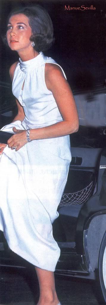Mis fotos de la insuperable Reina Doña Sofía....Fotos de otros tiempos de la Familia Real. PARTE II - Página 5