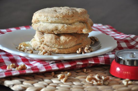 Ziegenkäse-Walnuss-Biscuits