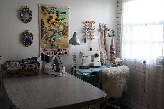 sewing space via http://bloomingleopold.blogspot.com