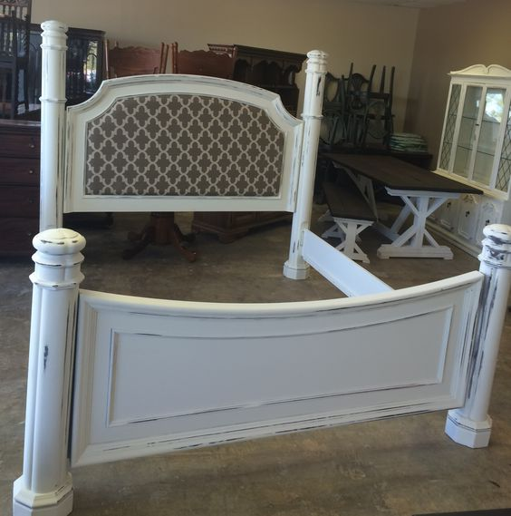 Here is a really amazing King size bed. Imagine this as your statement piece in your bedroom! Wowser!! What do you think?  SOLD!! for $500