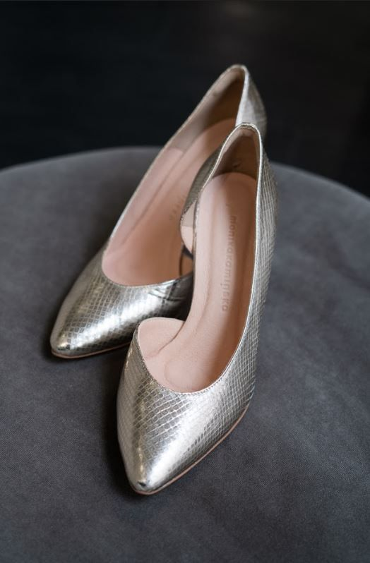 Pin On Dla Panny Mlodej Wedding Dress And Shoes