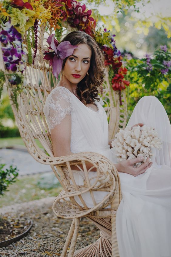 Gauguin Inspired Tropical Wedding Inspiration | SouthBound Bride | http://www.southboundbride.com/gaugin-inspired-tropical-wedding-inspiration | Credit: Gingerale Photography, Ninirichi Style Studio & Tickled Pink Weddings and Events