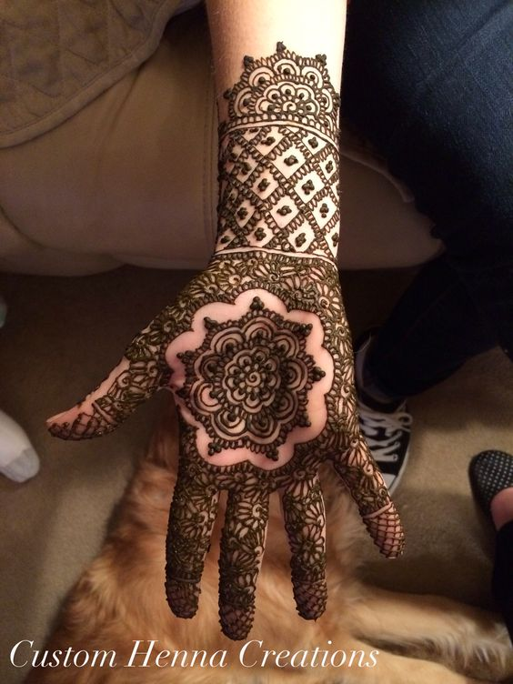 Mehndi mandala design on palm custom henna creations now for Custom henna tattoo